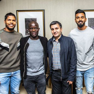 N'Golo Kante makes surprise visit to India cricket team